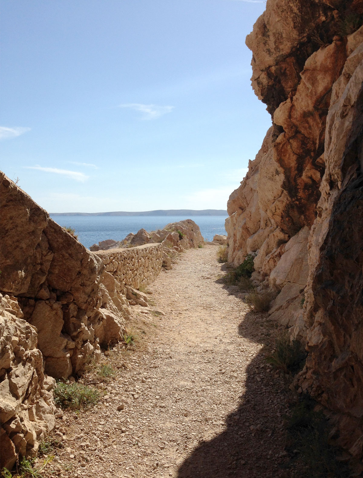 Cliff path to Zavratnica Bay